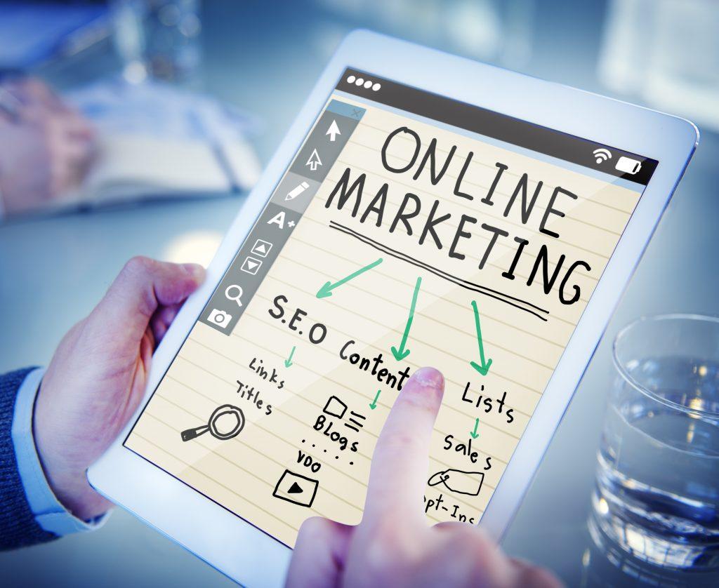 Zakelijk bloggen is een essentiële online marketingstrategie, waarmee je uiteindelijk meer klanten werft